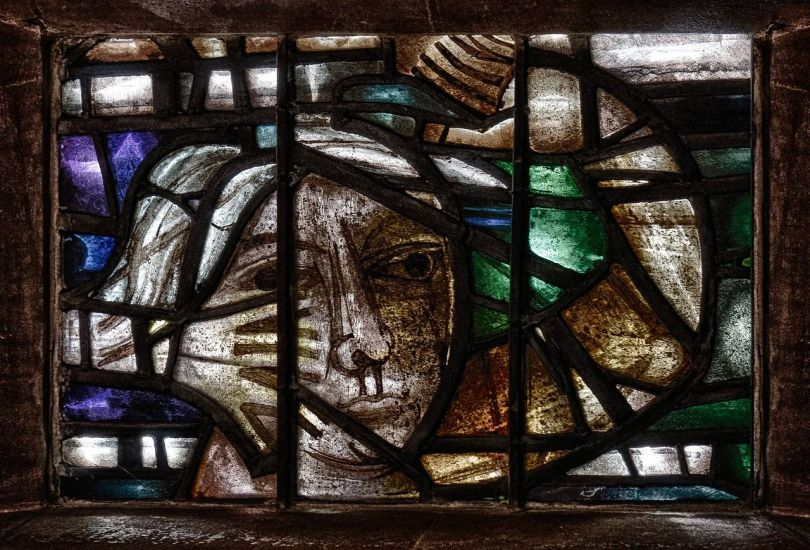1280px-Detail_of_stained_glass,_Coventry_Cathedral